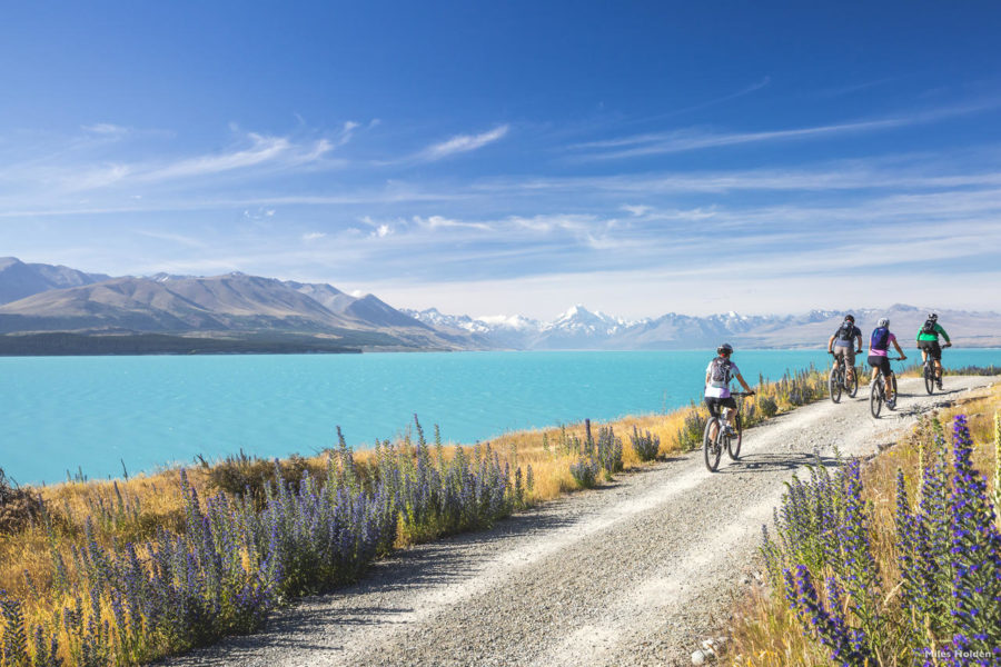 Lake Pukaki bike tour, Mackenzie Basin, New Zealand