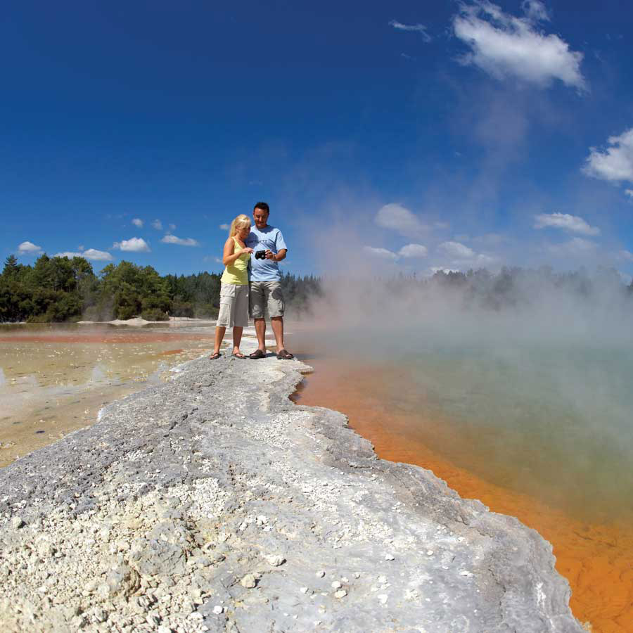 Rotorua geothermal reserve, New Zealand guided tours