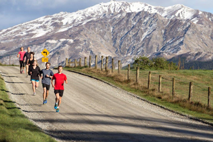 racers in the Queenstown Marathon